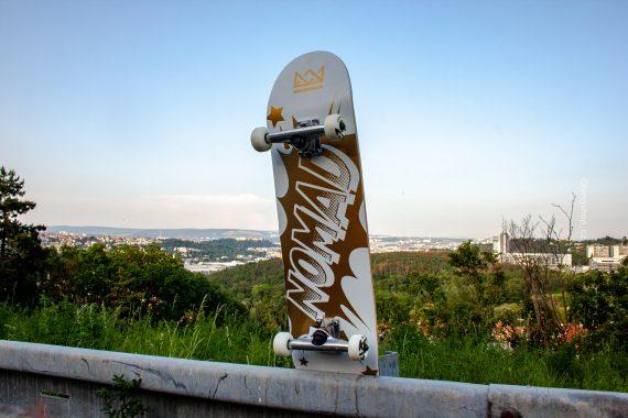 nomad komplet skejt skejtpark skate complete deck brno longshop 8,25 8.25 cheap levně levný